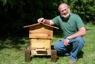 Beekeeping with the Warre Hive: The Original Homestead Beehive